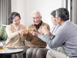 说说尊老这个话题,是老人都得盲目地尊敬吗