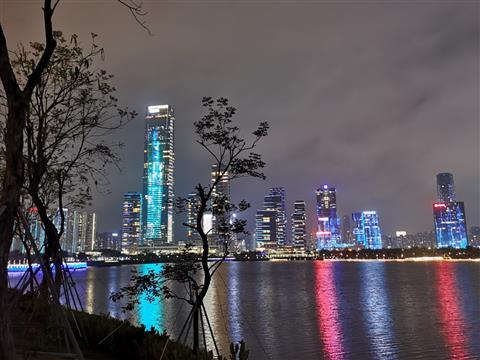 夜游深圳湾公园-人才公园